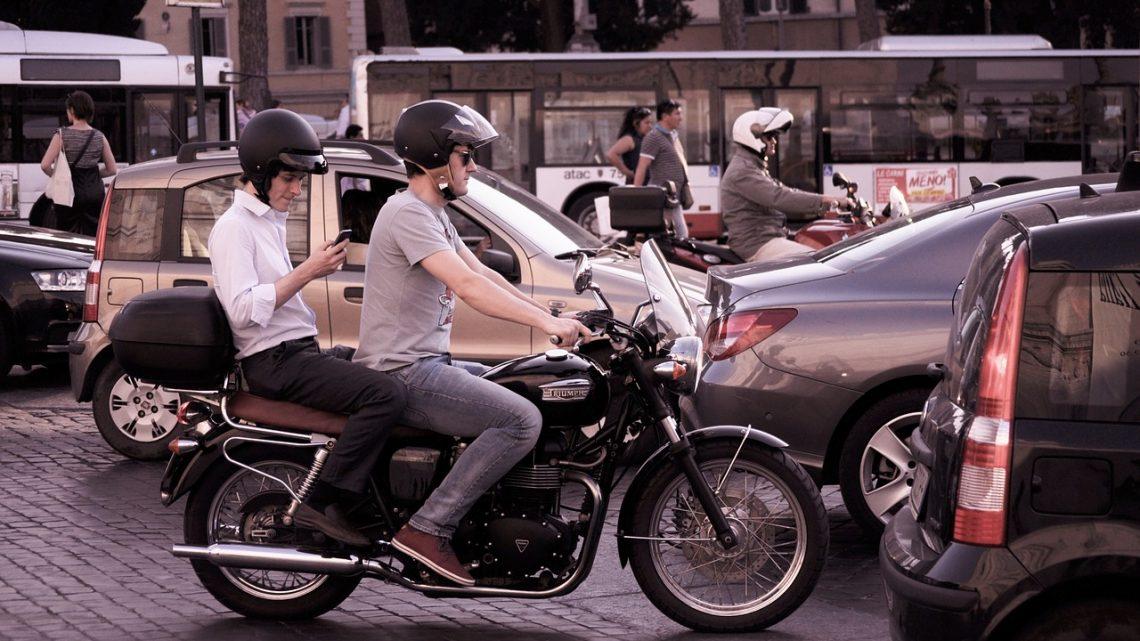 Se déplacer à Paris avec le taxi moto  : Quelles alternatives ?