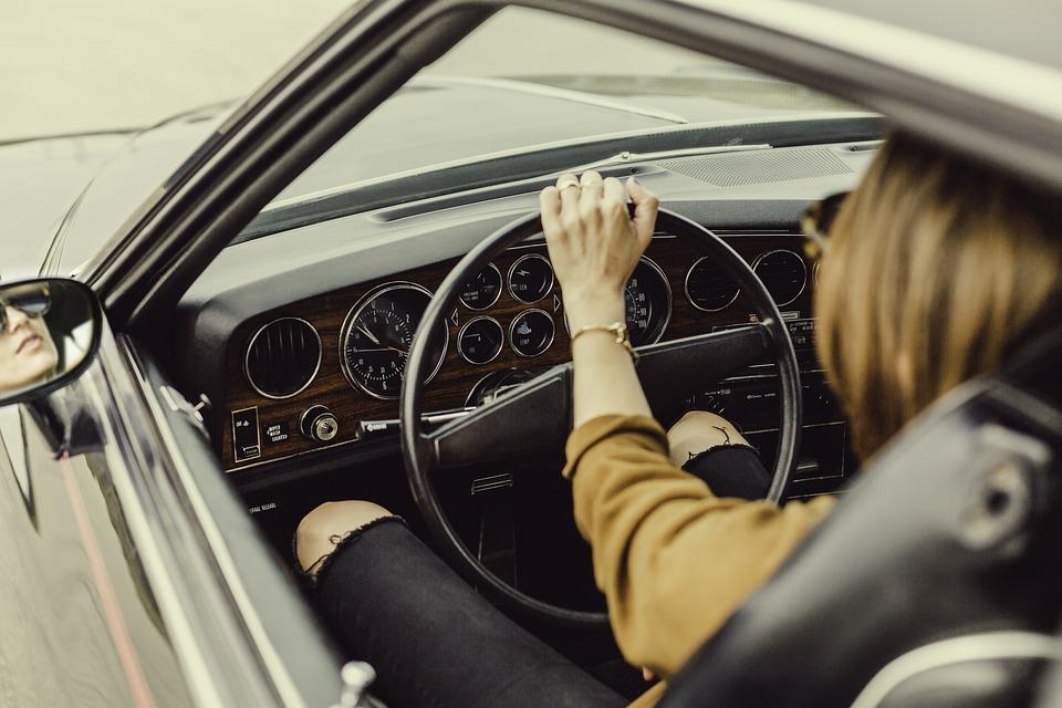 Réussir les épreuves de code de la route pour obtenir un permis de conduire