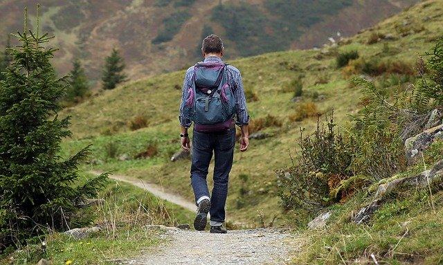 4 choix à faire pour des randonnées en famille pendant les vacances d'été