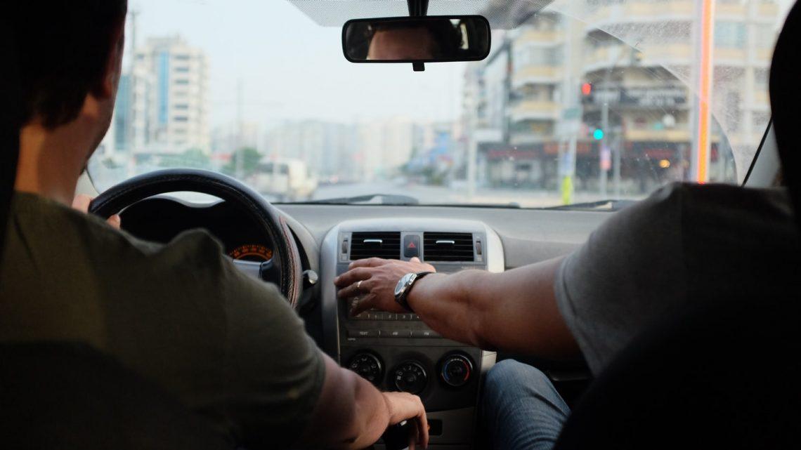Comment surmonter l'anxiété des nouveaux conducteurs adolescents