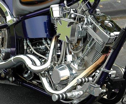 Comment réussir à changer ses pièces de moto?